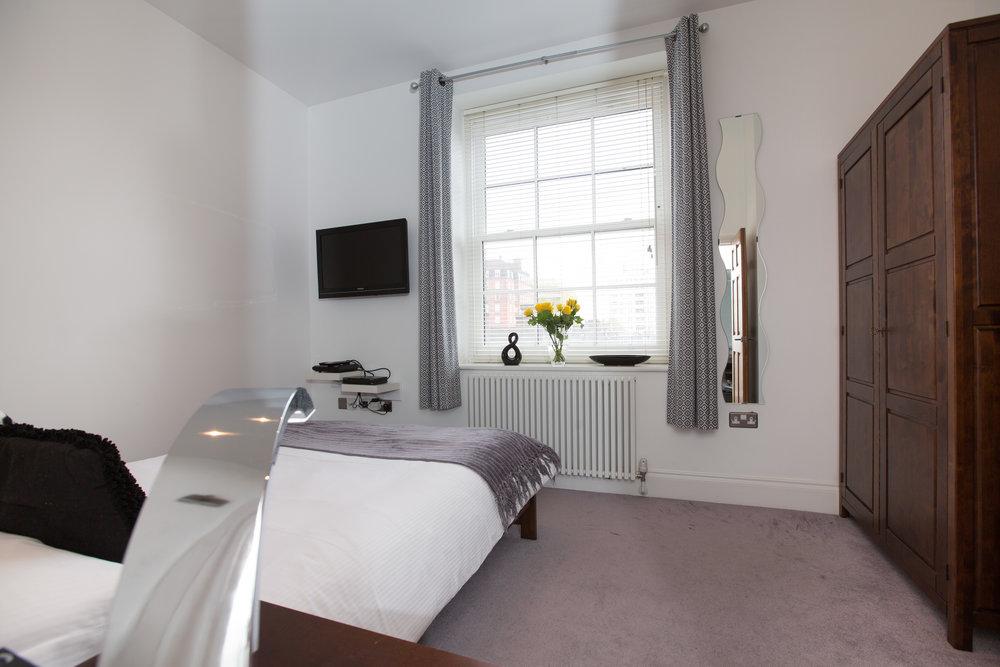 1 Bedroom Apartment - Bedroom2.jpg
