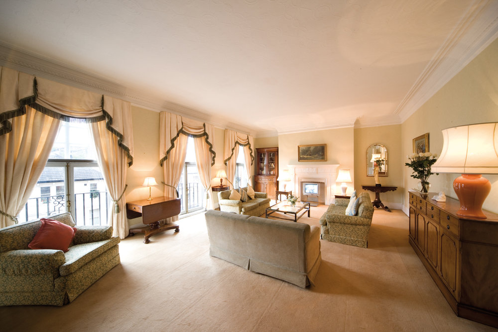 3bed3bath-living-room-type2.jpg