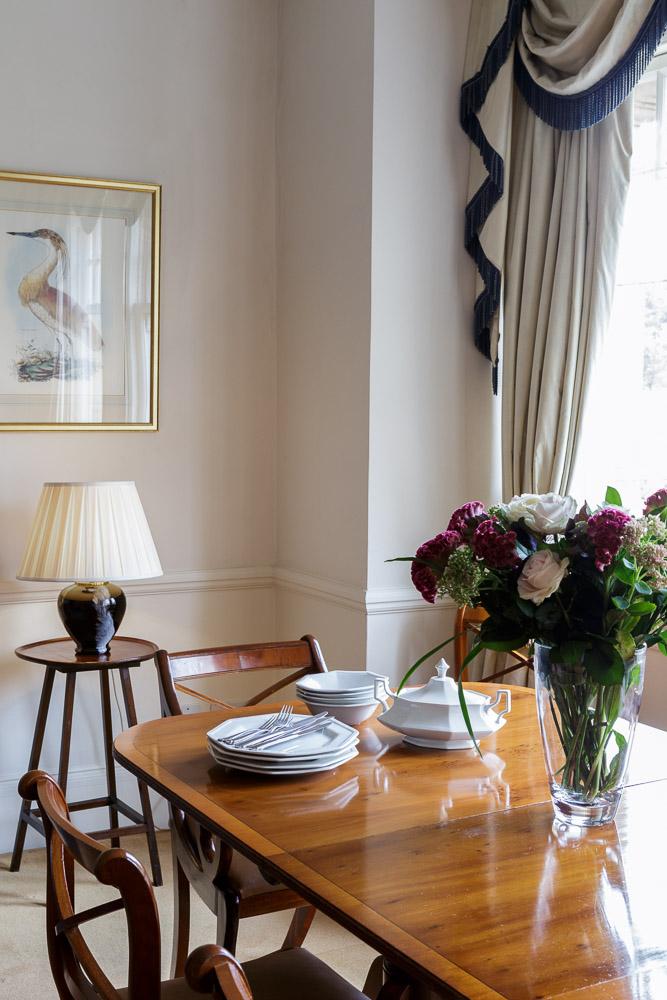 MG_5281-Edit-3B2B-flat-2E-living-room-dining-table.jpg