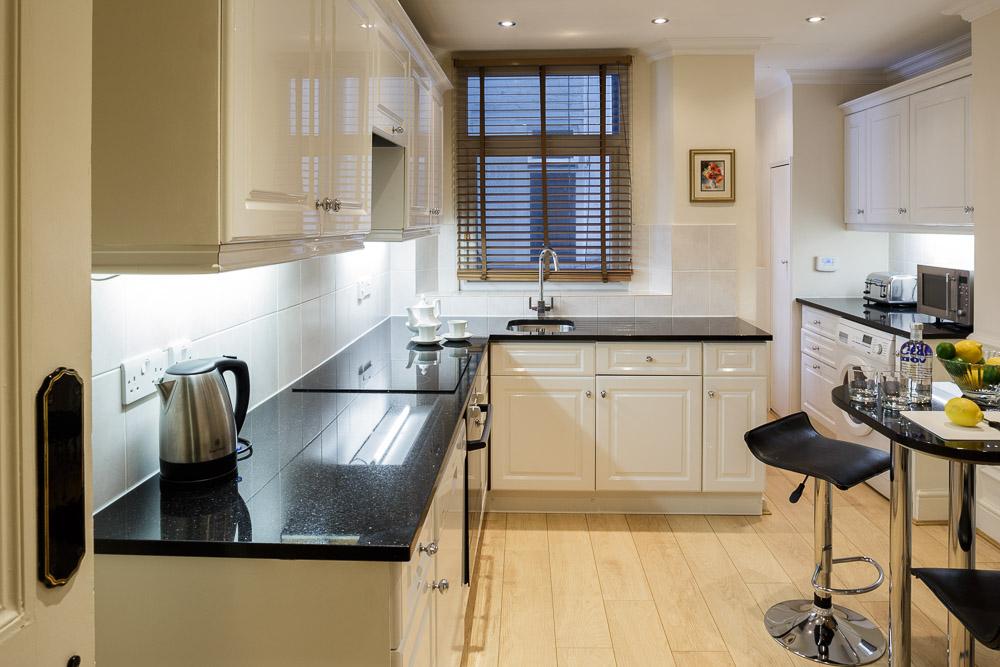 MG_5055-3B2B-2B-kitchen.jpg