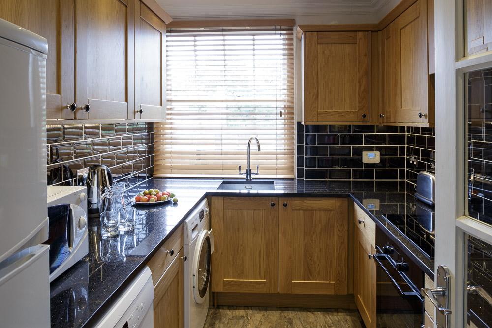 MG_5152-2B1BL-flat-8-kitchen.jpg