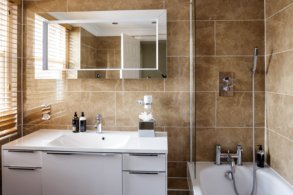 MG_5173-Edit-2B1BL-flat-15-bathroom.jpg