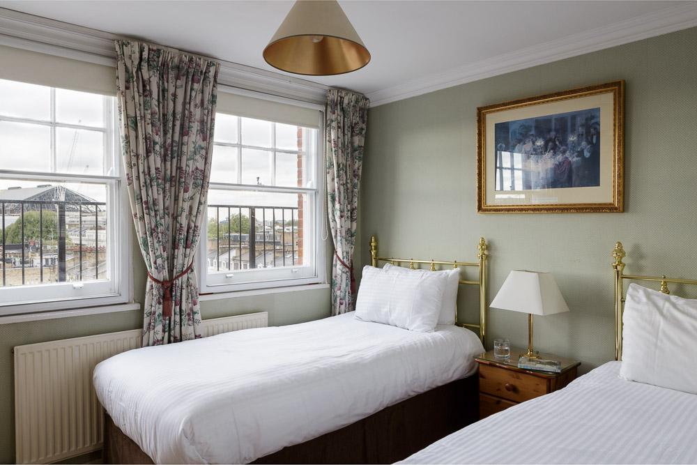 MG_5222-Edit-1-Bed-flat-9-bedroom.jpg