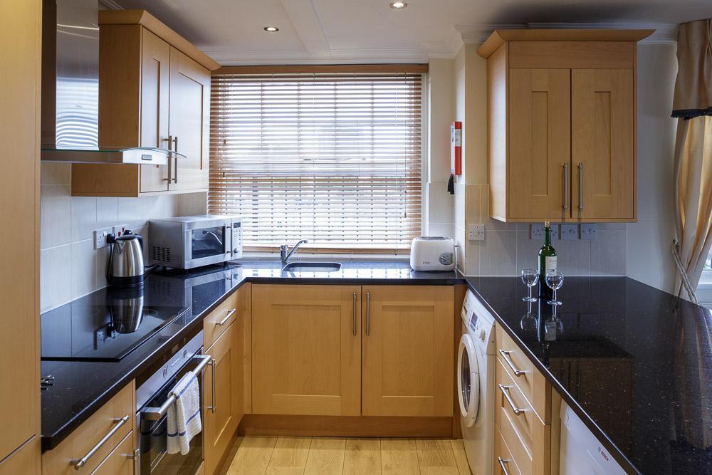 MG_5244-2B1BS-flat-12-kitchen-1.jpg