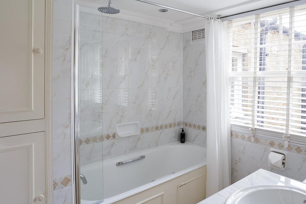 MG_5261-2B1BS-flat-12-bathroom-1.jpg
