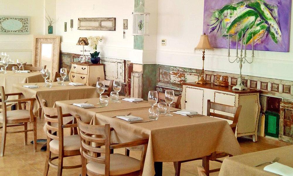 LE-Restaurant-Interior.jpg