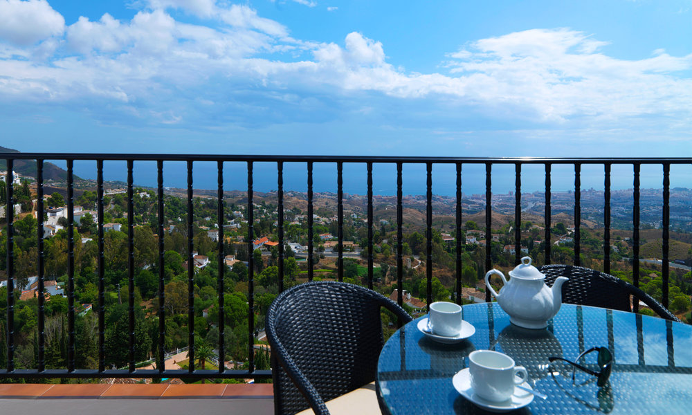 LE-Room-Balcony-View.jpg