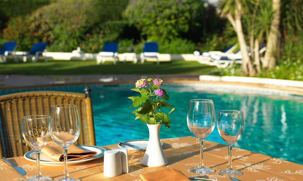 VC-pool-dining.jpg