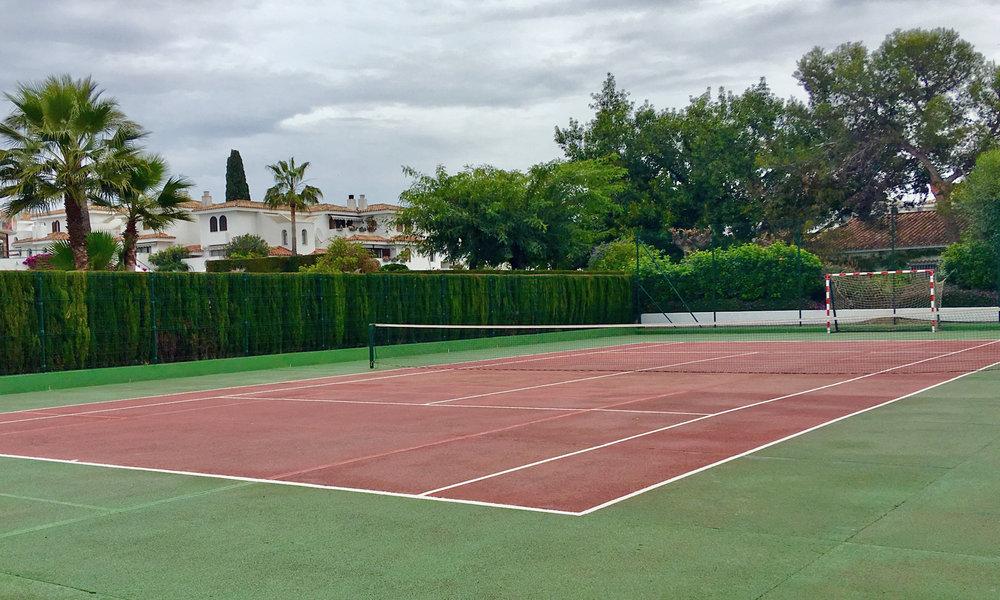 VC-tennis.jpg