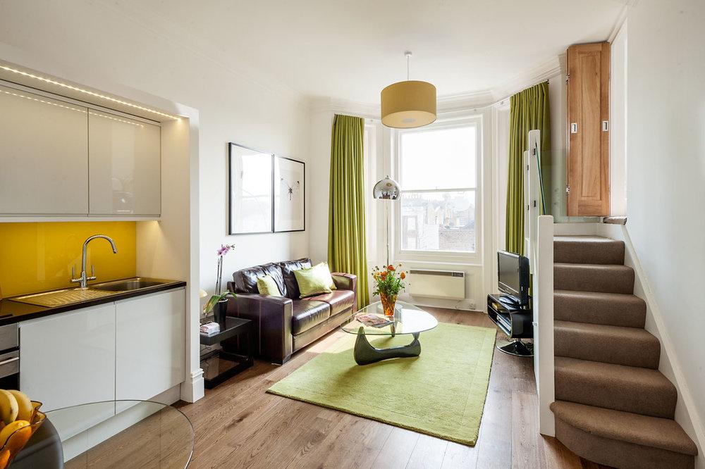 Flat 6, 41 Livingroom 13.jpg