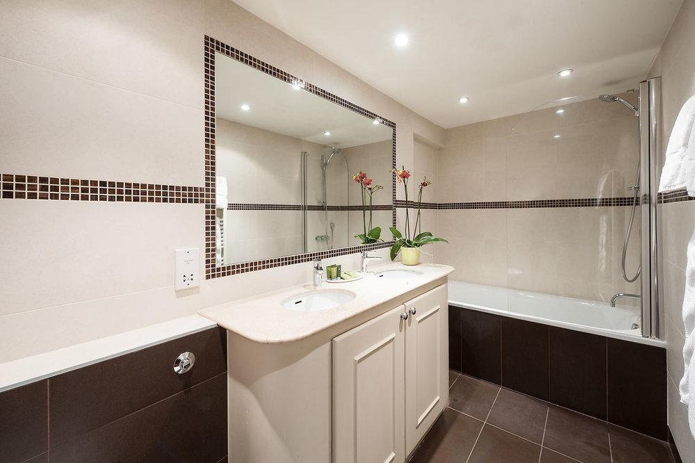 Flat 9, 41 Bathroom 13.jpg