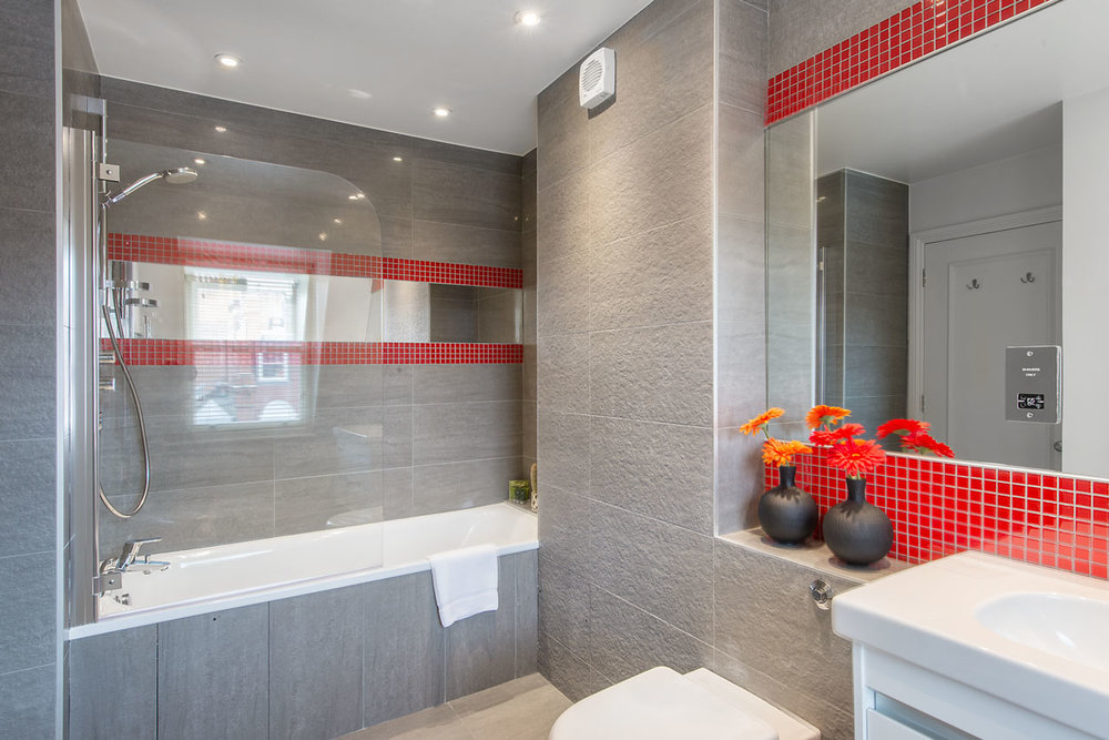 Flat 10, 41 Bathroom 14.jpg