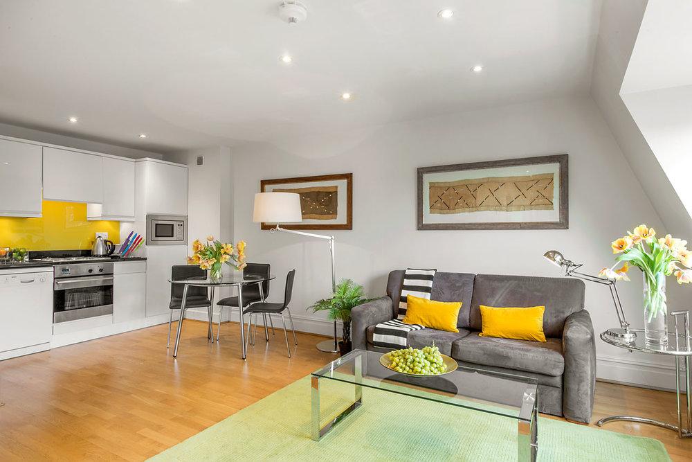Flat 10, 41 Livingroom 14.jpg