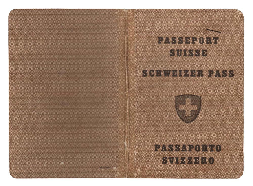 Passaportes suíços nos anos de 2004 e 1954