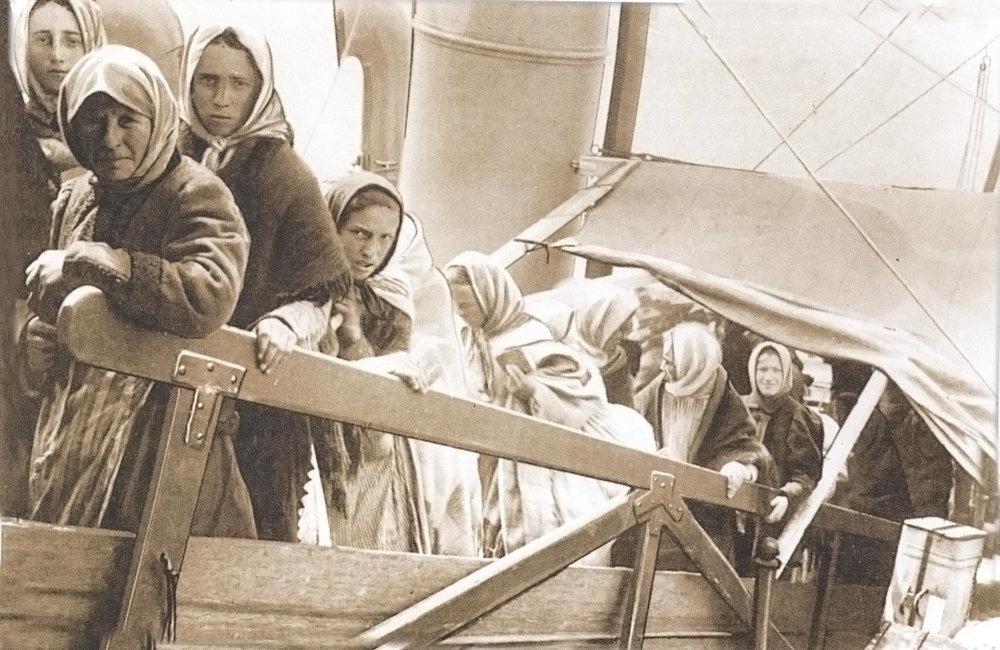 Embarque de imigrantes no porto de Hamburgo, Alemanha José Eduardo Heflinger Júnior - Ibicaba: O berço da imigração européia de cunho particular, 2007