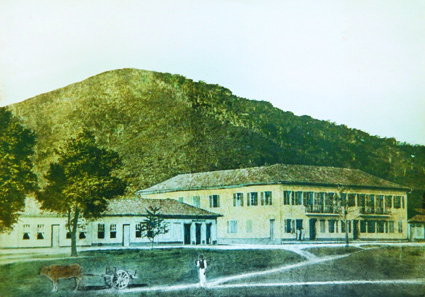 Hotel Salusse, casarão de dois andares famoso pelos bailes, 1870 Acervo Pró-Memória de Nova Friburgo