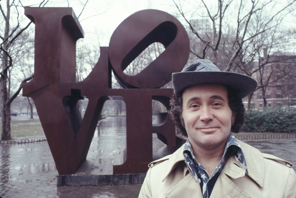 Robert Indiana with his 'Love' sculpture in Central Park, New York City in 1971. Photo: Jack Mitchell / Getting Images