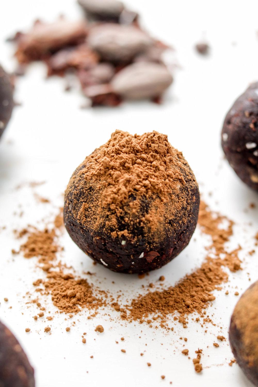 Adaptogenic Superfood Bliss Balls (10 of 17).jpg