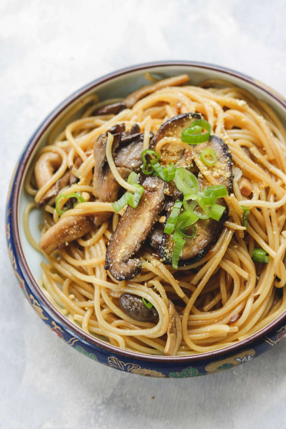 Parmesan Garlic Butter Pasta with Mushrooms (VEGAN)1 (1 of 10).jpg