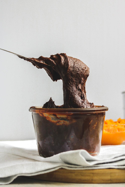 The Best Vegan Healthy Chocolate Frosting 4 Ingredients (5 of 5).jpg