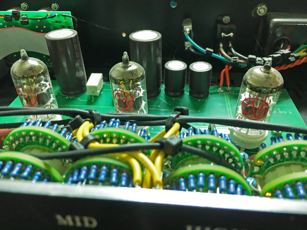 Hendyamps Michelangelo tube equalizer.jpg