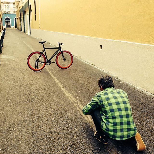 #photoshoot #leaderbikes #buildmybike #fixedgear #urbancycling #trackbike