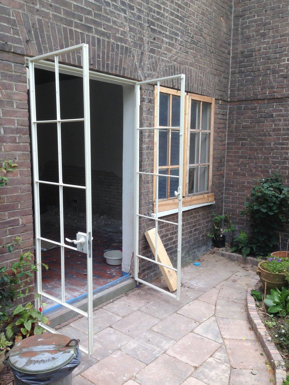 Isolatie van stalen ramen en deuren