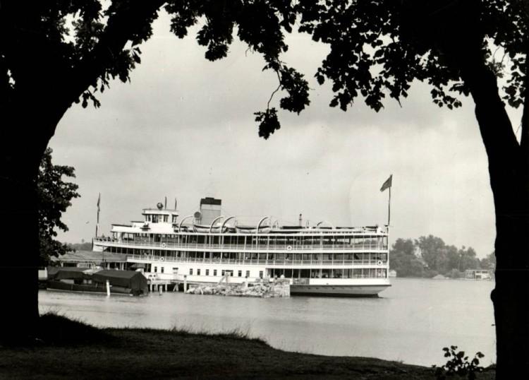 Columbia 1942.jpg