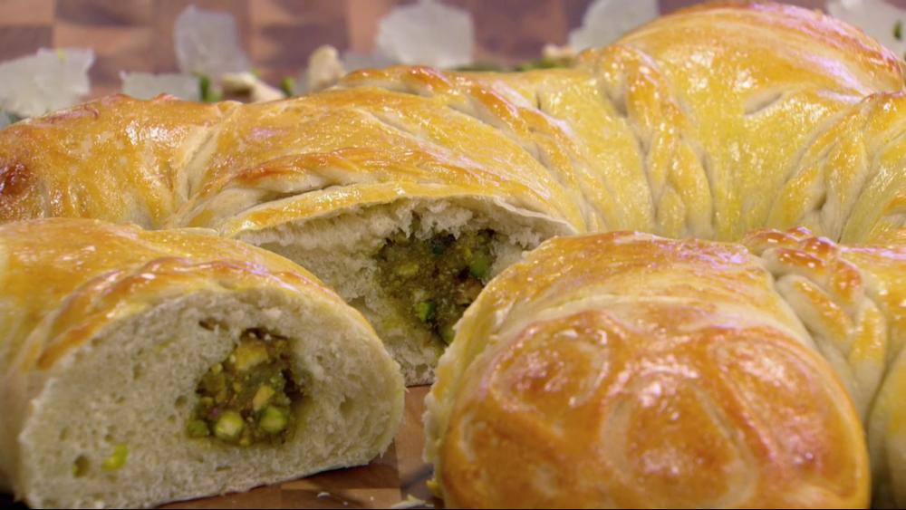 Pistachio Petha & Cashew Cardamon Bread Centrepiece