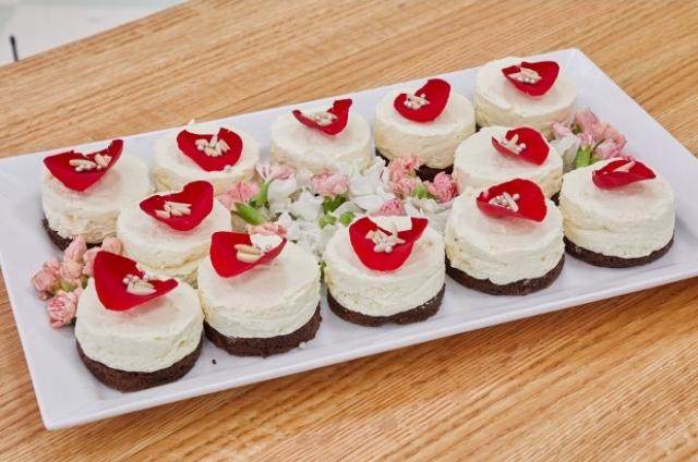 White Chocolate Thandai Mousse Cakes