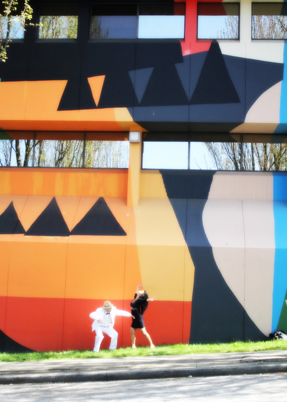 mural-orange-far.jpg