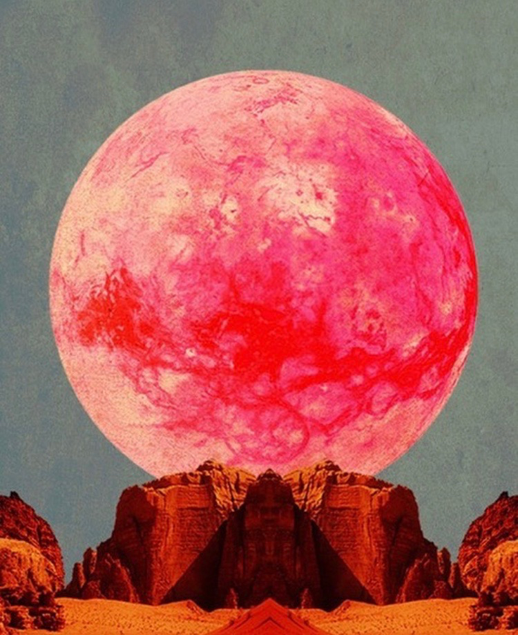 red moon egypt.jpg
