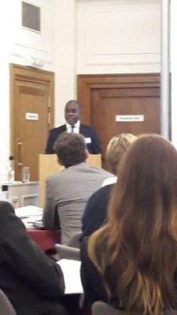 Clive-presenting-e1510835406447.jpg