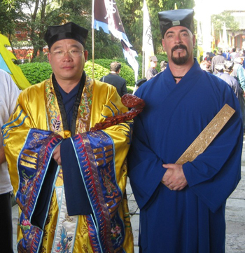 The 65th Celestial Master Zhang Jing Tao and Senior Abbot of Tian Yun Gong, Prof. Jerry Alan Johnson at the Celestial Master's Mansion in Jiangxi Province