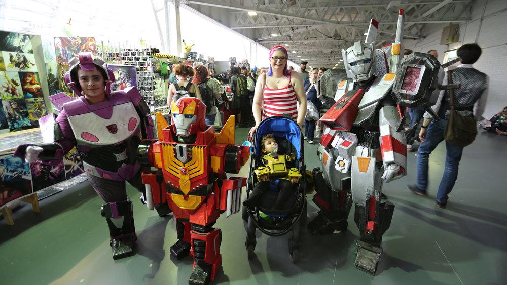 comic-con-family.jpg