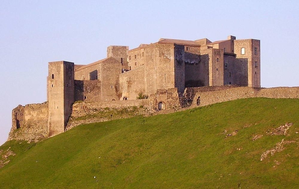 Castelli federiciani