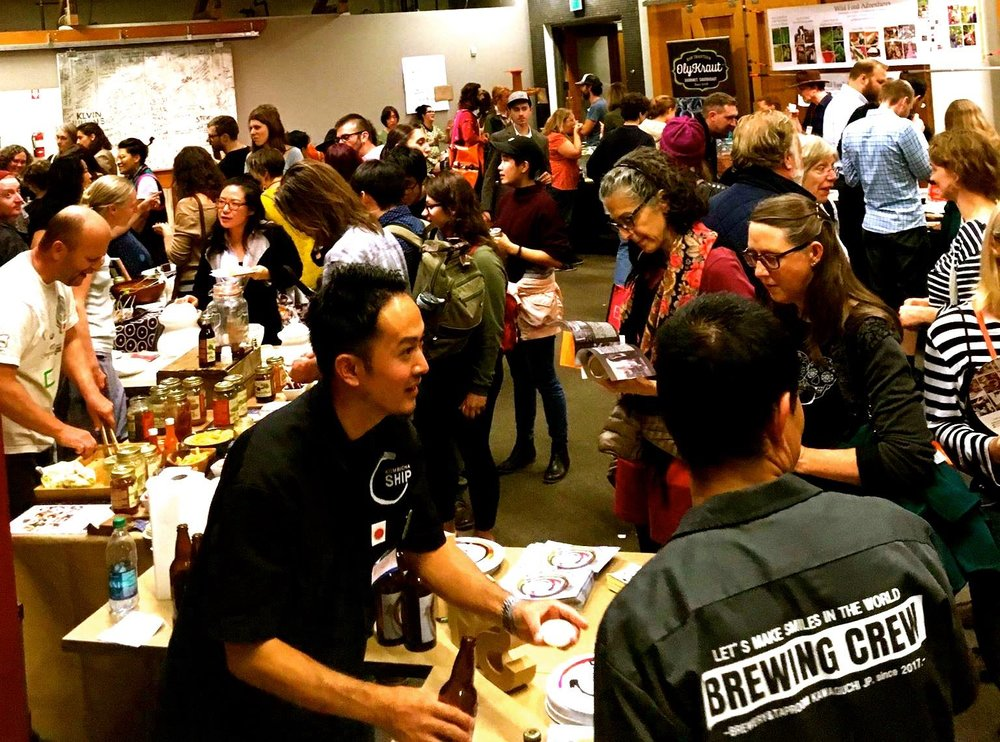It filled up verrrrry fast with folks eager to try all of the different globetrotting food and drink ferments made by amateurs and professionals. So many tasty samples!! Photo by Earnest Migaki.