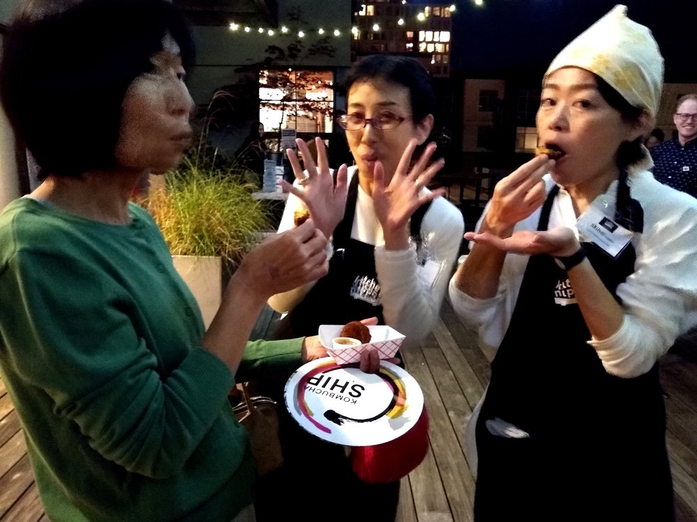 And all of these lovelies taking a much deserved break and enjoying some yummy Obon food.