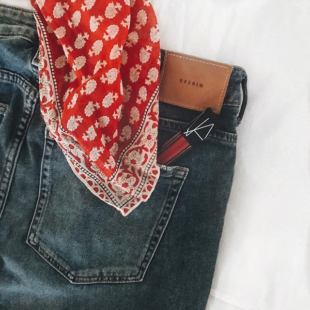 Sneak peak of mine and @kwoods15 work costume tomorrow. Of course we waited until today to decide on one, cause we apparently like to stress. The best part is, it gave me a good excuse to buy a @madewell scarf and some @narsissist lipstick. Any guesses?? #halloweencostumes #costumeideas