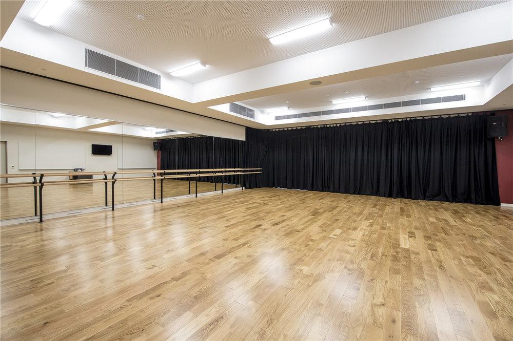 sprung floor dancing