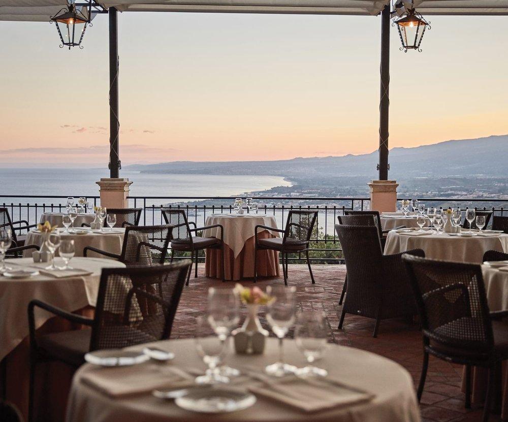 ght-din-restaurant-the-restaurant05_1600x1329.jpg