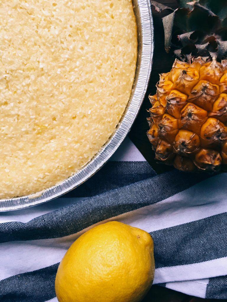 ašā citronu un kokosriekstu kūka - zinu, ka visas kūkas pagatavošanai nepieciešamās sastāvdaļas gandrīz vienmēr atrodas manā virtuvē. ceru, ka tās atradīsies arī jūsējā, jo tad kūka būs gatava viens divi 🍋⛵️🏝