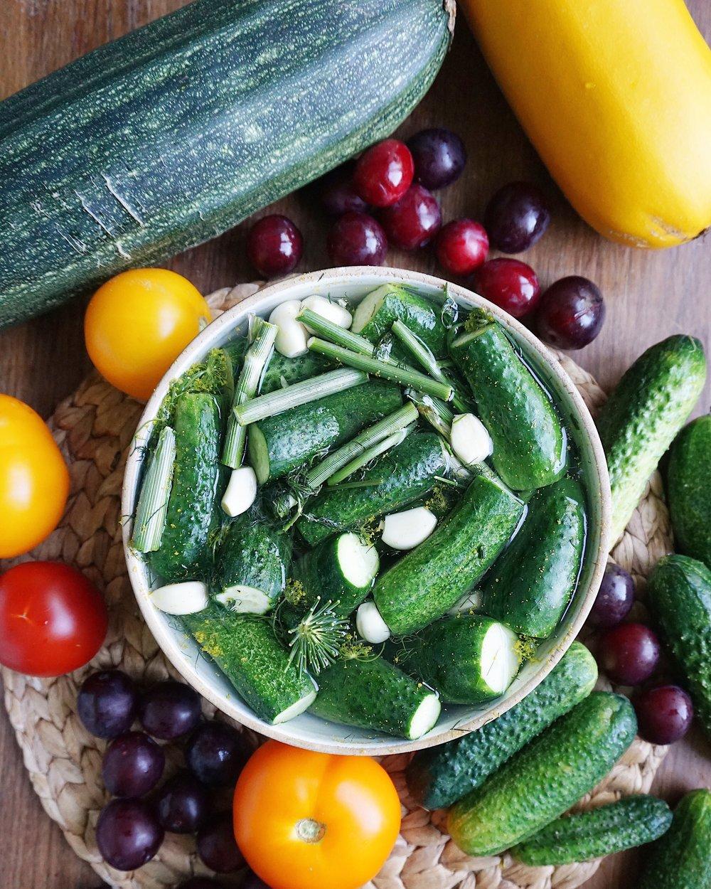 sālīti gurķīši mūsu gaumē - cik latviešu, tik sālīto gurķīšu recepšu. šī ir mūsējā - gatavoti maisiņā vai bļodā, virtuvē vai lauka vidū - vienmēr garšīgi.