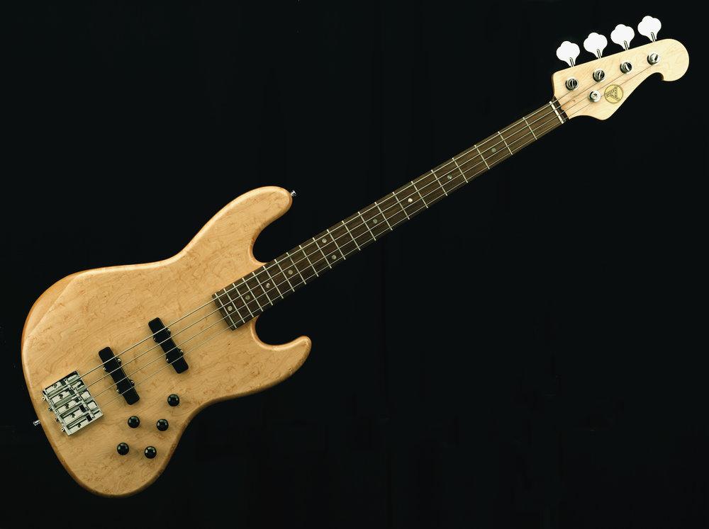 Jay Bass - Der Hot Wire Jay Bass ist unsere zeitgemässe Version vom allseits beliebten Jott-Bass Modell und kann ganz nach Wunsch gestaltet werden.