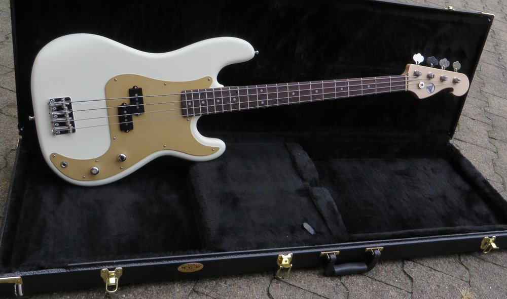 Pee Bass - Unsere Version des beliebtesten Basses der Welt, hier in der 1957er Ausführung mit