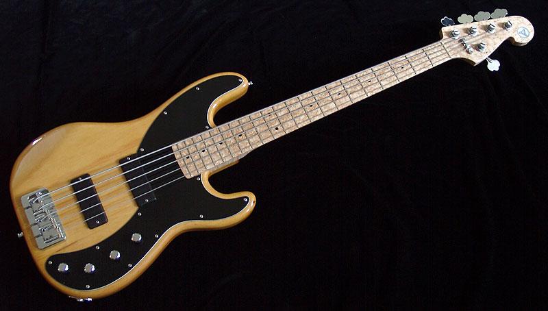 Birdseye 51 - Massiver Erlekorpus mit AAAA-Vogelaugenahorn-Hals, Soaps und Glockenklang für das ultimative Bass-Erlebnis.