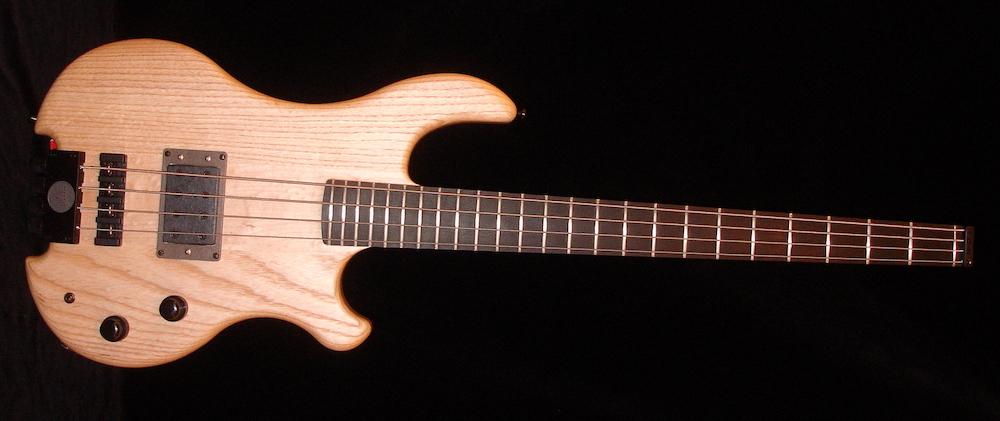Inlaw Medium Extra Lite - Für Bassisten mit empfindlichem Rücken, die aber trotzdem einen fetten Sound haben wollen. Den kriegen sie, bei optimaler Rückenschonung!