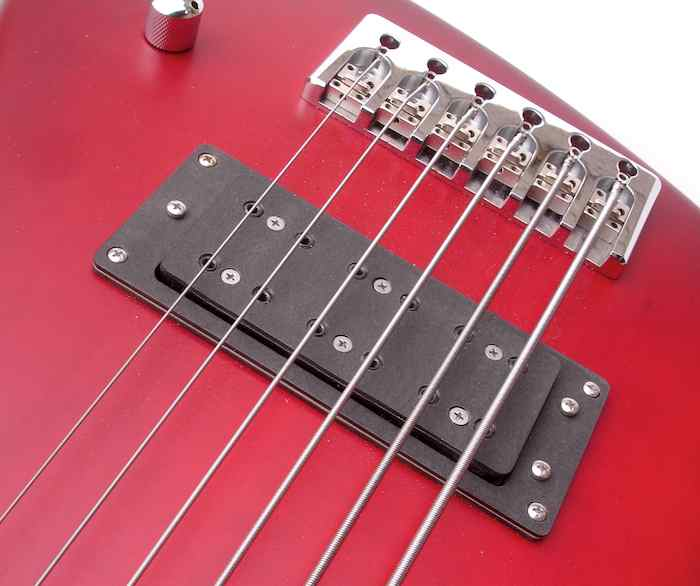W-Bucker 6 - Here's the W-Bucker in a Hot Wire six-string. With the spilt-coil and serial-parallel positions one has access to so many sound possibilities, one pickup can be enough.