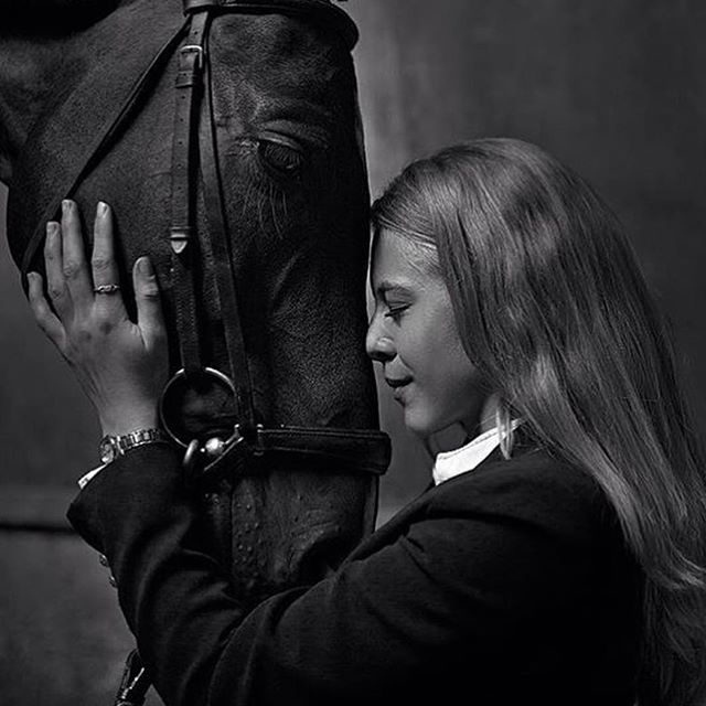We are launching a new site which will be people and their horses later in November. If you are interested in being photographed with your horse or gifting someone with a shoot please get in touch for discounts before the new site launches 🐎