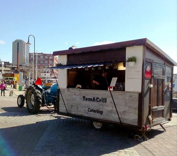 Tom&Crill_liikkuva_juhlapalvelu_grillikoppi